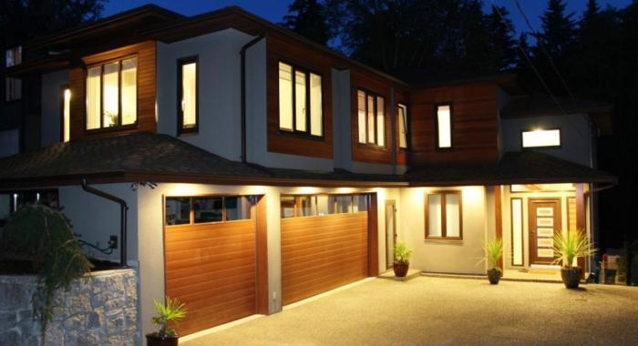 1952 Fell Avenue, Hamilton, North Vancouver
