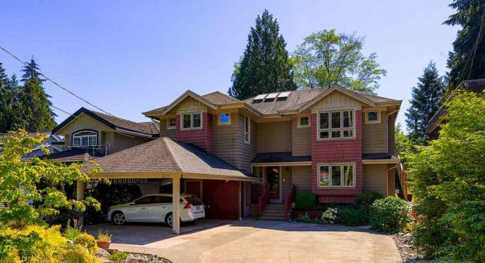 4377 Raeburn Street, Deep Cove, North Vancouver