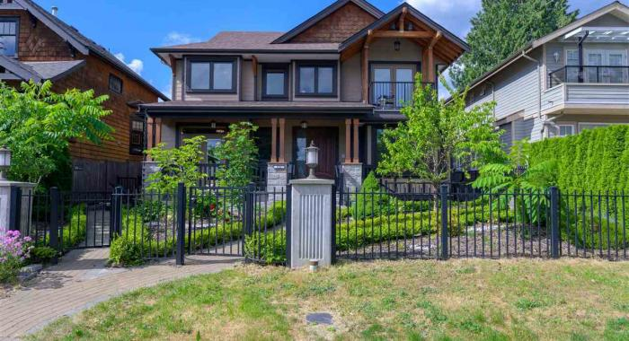 522 E 10th Street, Boulevard, North Vancouver