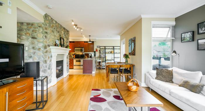 302 - 118 W 22nd Street, Central Lonsdale, North Vancouver